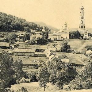 Общий вид Спасо-Преображенского мужского монастыря в начале XX века