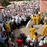 Во время крестного хода вокруг собора Святйо Троицы