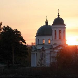 Восстановленный храм Нерукотворного образа Иисуса Христа на рассвете