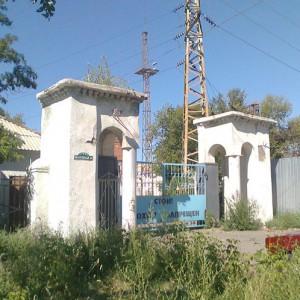 Современный вход на территорию Богодуховского монастыря